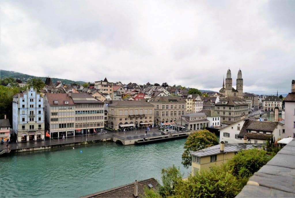 Aussicht vom Lindenhof in Zürich