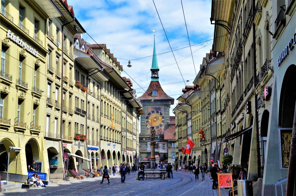 Sehenswürdigkeiten Bern Zytgloggeturm und Kramgasse
