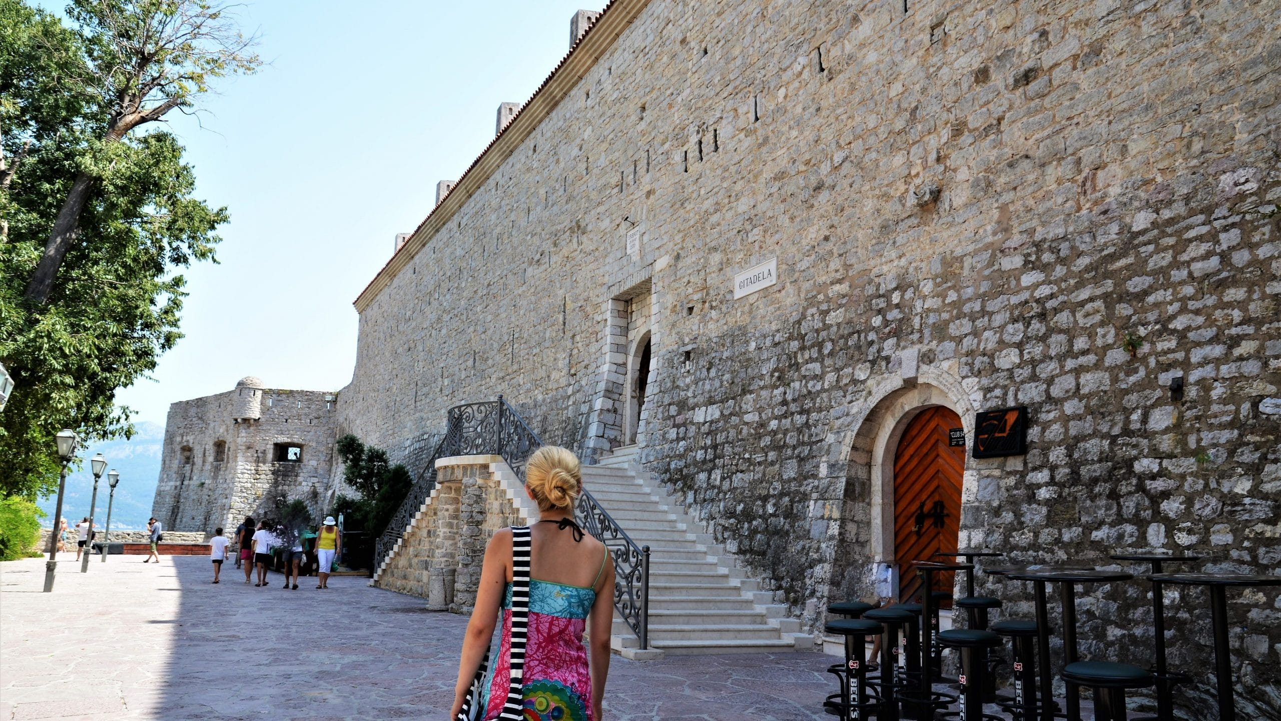 Auf dem Weg zur Zitadelle von Budva Sehenswürdigkeiten Montenegro