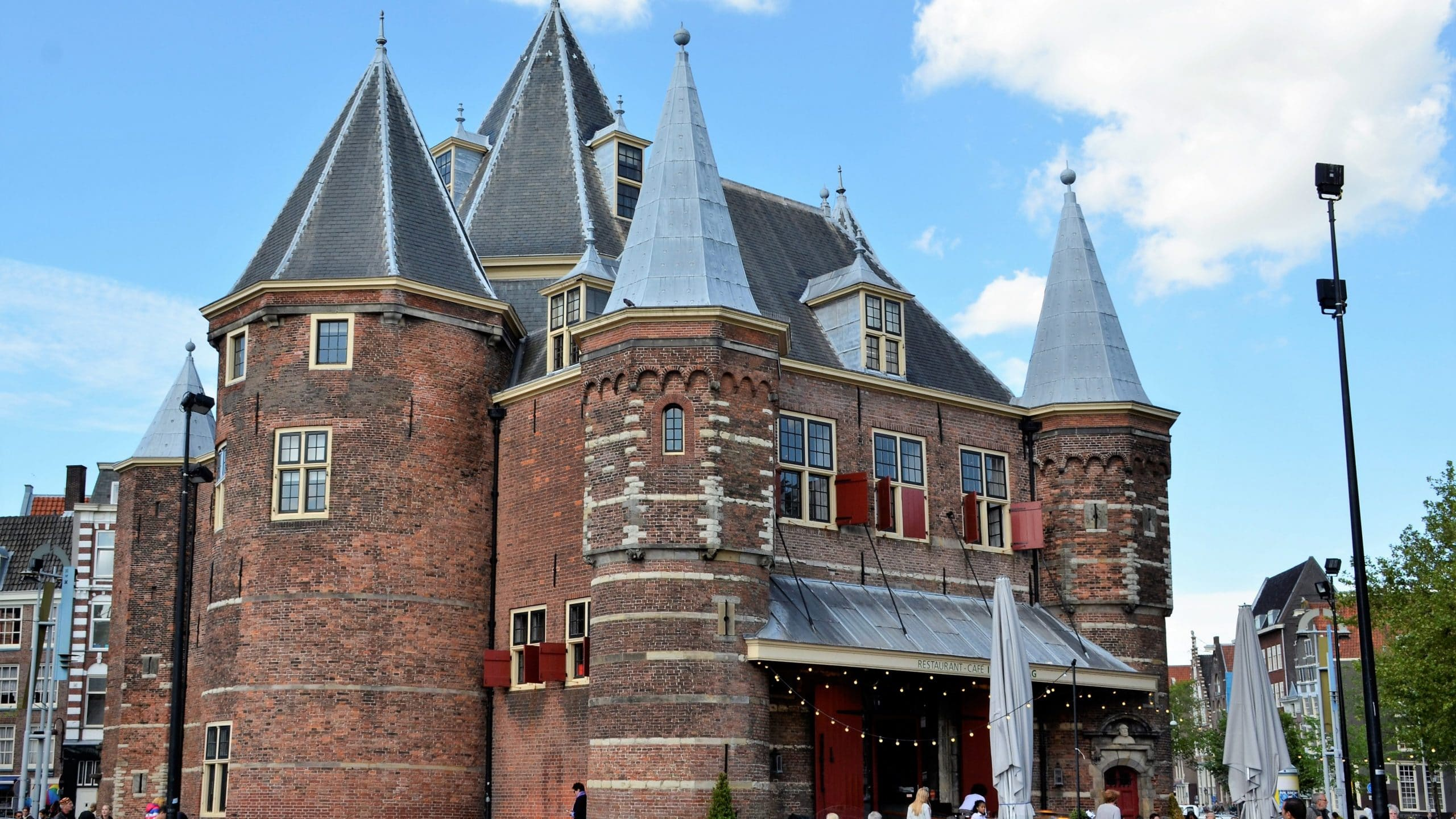 Waaggeboue Amsterdam