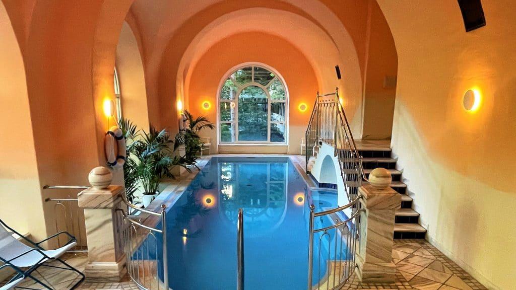Pool im Selina Bad Gastein